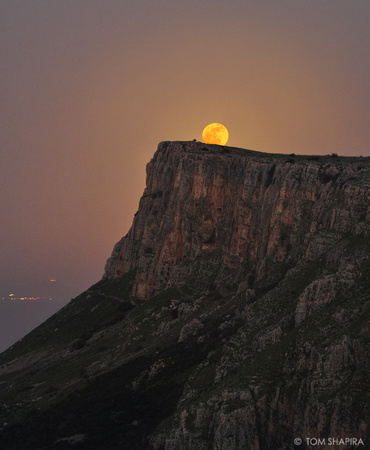 Moonrise over the Arbel Cliffs in Israel by photographer Tom Shapira
